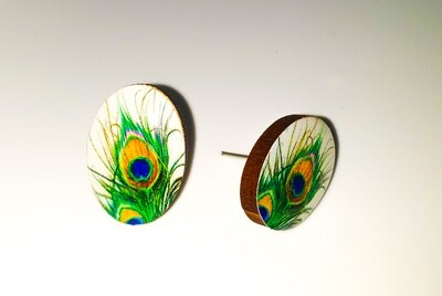Dome stud earrings: Peacock feathers