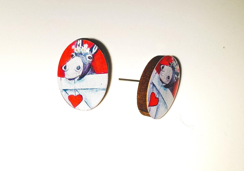 Dome stud earrings: Single donkey profile