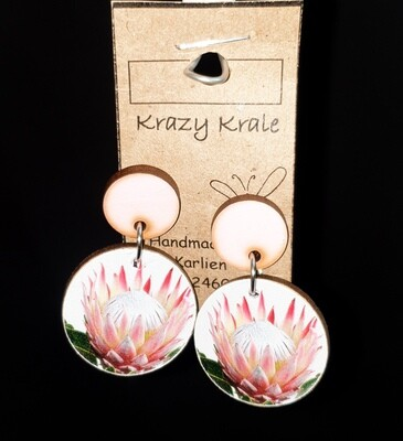 Picture earrings : pink protea