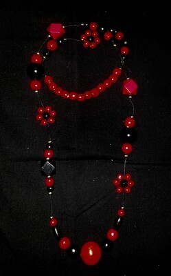 Wooden necklace : black & red