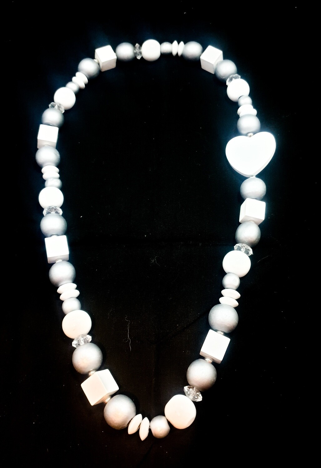 Wooden necklace : white and pink