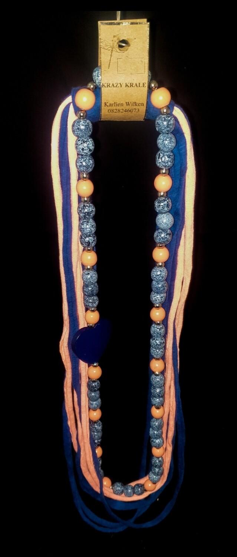 T-shirt yarn necklace : denim & peach