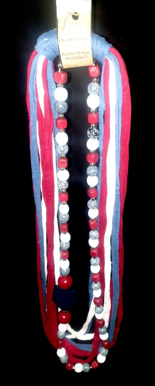 T-shirt yarn necklace : red white & denim