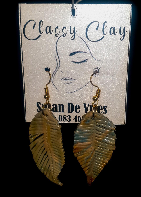 Autumn greenish feather earrings