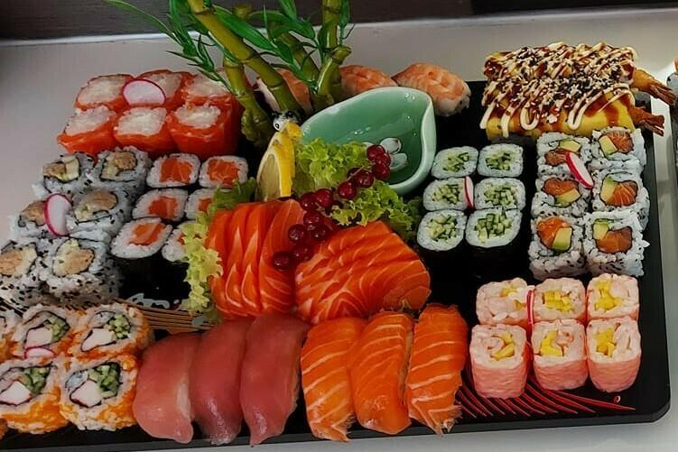 Sushi menu C   (68 pcs)