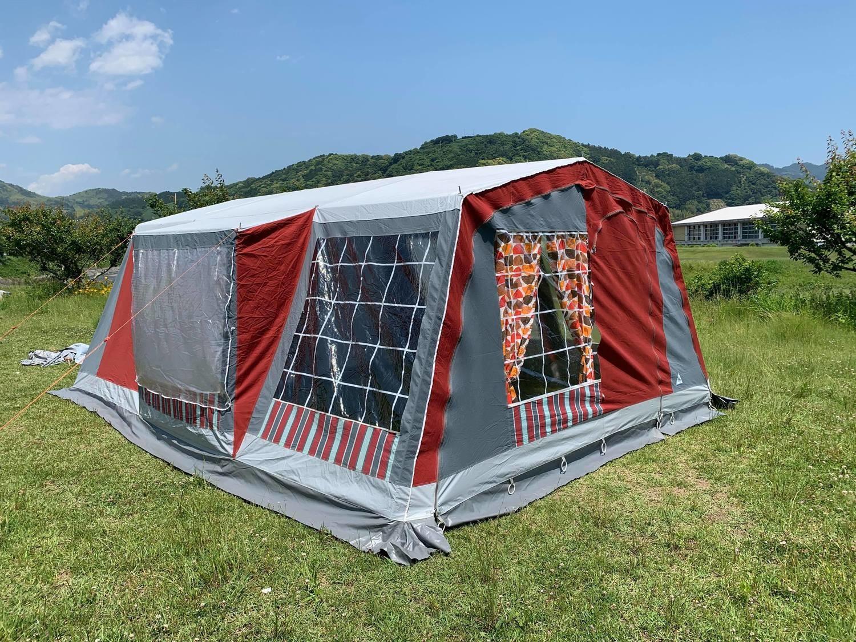 オランダ幕 Terka Tent スイッチエントランスのロッジタイプ
