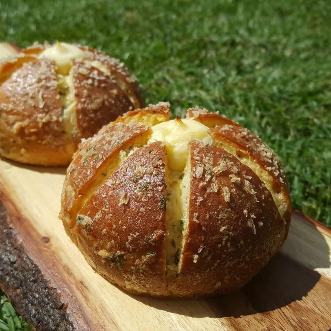 Garlic cream cheese bread,  minimum order 6 piece