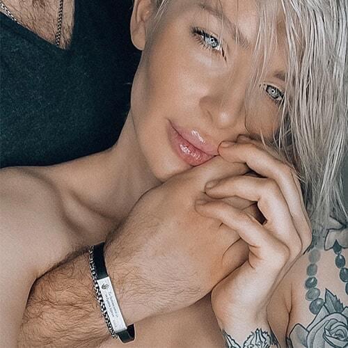 Мужской серебряный браслет - пример фото  на руке