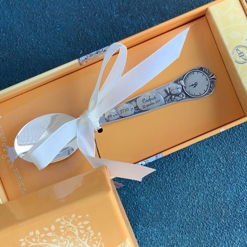 красивая упаковка дополнит подарок на крестины или рождение малыша