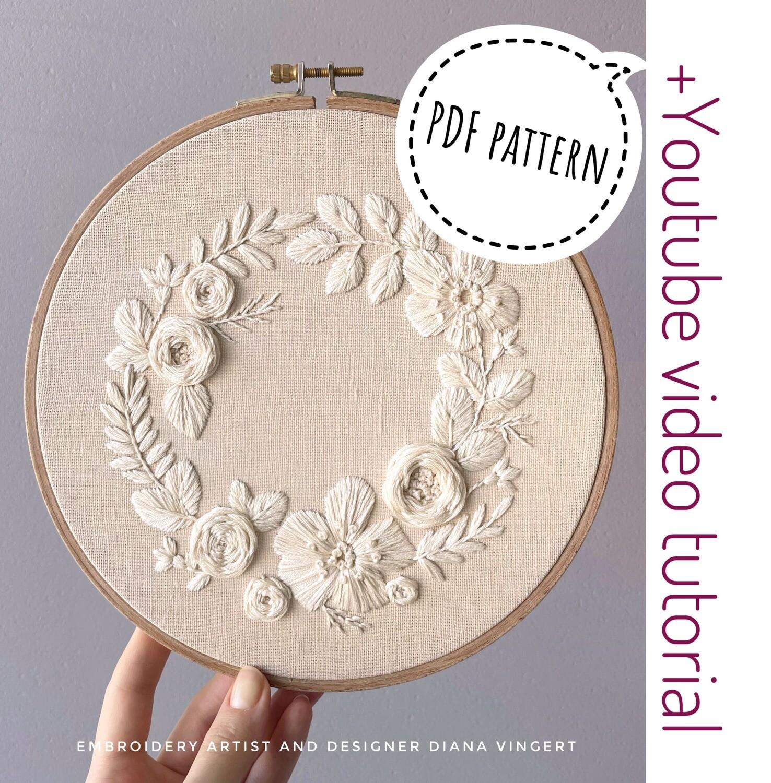 Pdf pattern+ video tutorial. Cream flower wreath