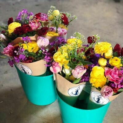 Purchase Bouquets for pre-order to pickup at the California Farmers Market Saturday, May 22nd 9:00am-1:00pm
