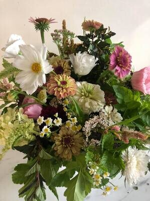 Purchase a flower bunch for pre-order to pickup at the California Farmers Market Saturday, June 26th 9:00am-1:00pm