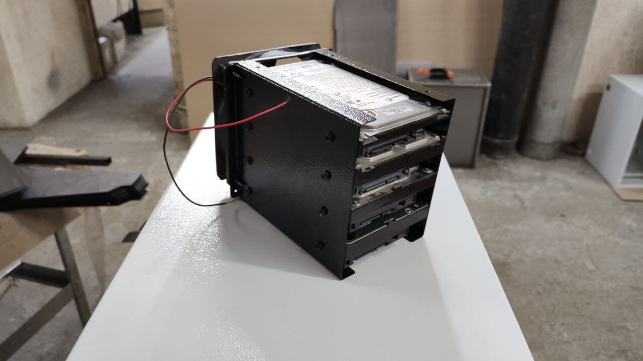 Корпус - органайзер для 4 HDD/SSD для CHIA coin