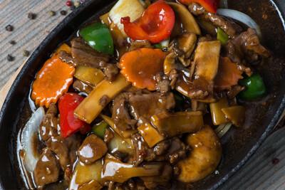Filet de bœuf sauté sur plaque chauffante (piquant)