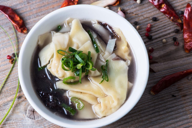 Potage wan tun (raviolis au porc)