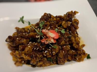 Filet de bœuf caramélisé au sésame (piquant)