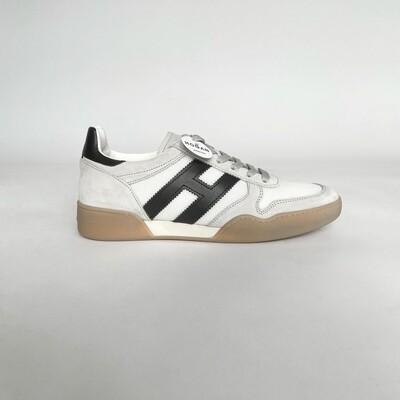HOGAN Sneaker Allacciato