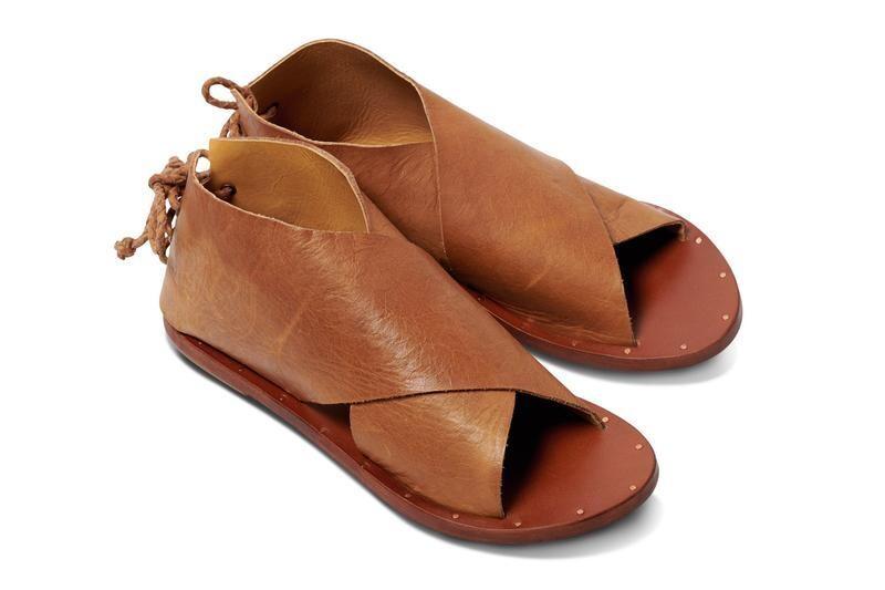 BEEK Loon Sandal