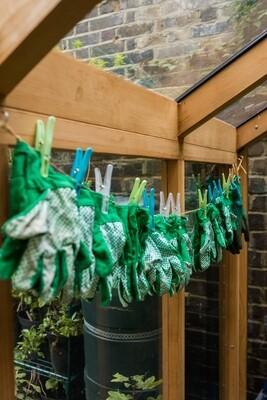 Les Mains Vertes Gardening Club - Mon (4-5pm)