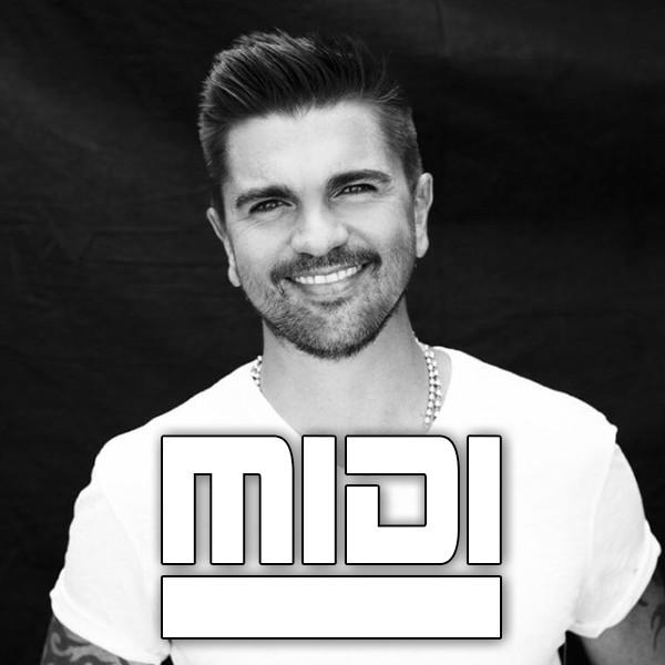 Me Enamora (MTV Unplugged)