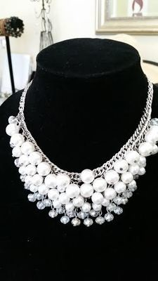 Short Pearl and Crystal Necklace Set