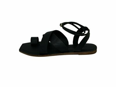 D'Arce Story Crossover Slingback Leather Sandals in Black (Size 39)