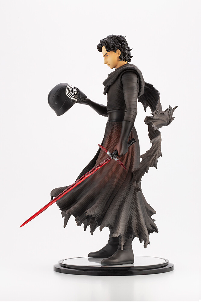 STAR WARS Kylo Ren Cloaked in Shadows ARTFX Artist Series