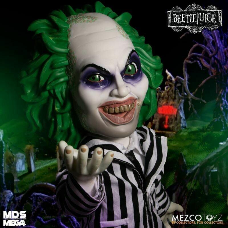 "PRE-ORDER Mezco MDS Mega Scale: 15"" Talking Beeteljuice with sound"