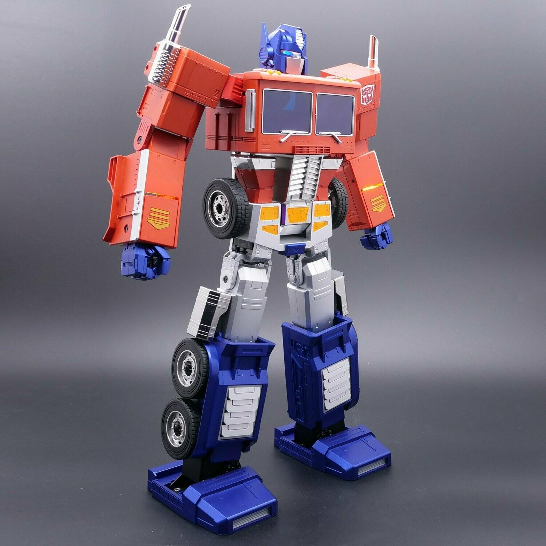 PRE-ORDER Hasbro Transformers Optimus Prime Auto Converting Programmable Robot
