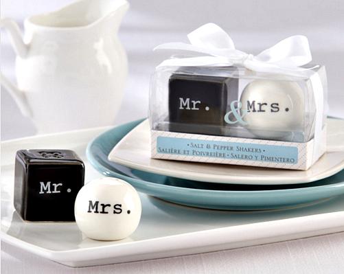 Recuerdo de Saleros Mr. & Mrs.  (Set 50-100 sets)