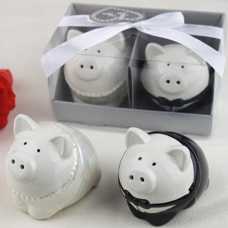 Recuerdo de Saleros Mr. & Mrs. Pig (Set 50-150 sets)