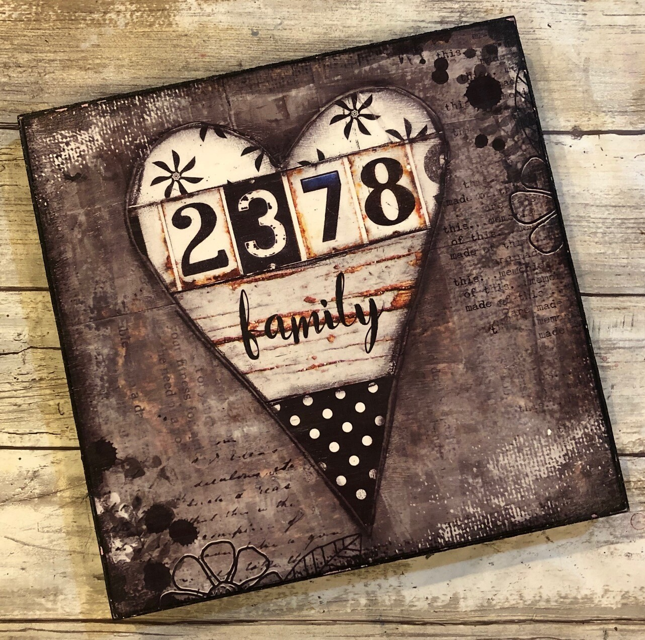 """Family"" heart neutral 8x8 Clearance"