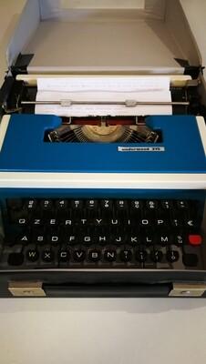 Macchina scrivere Underwood 315
