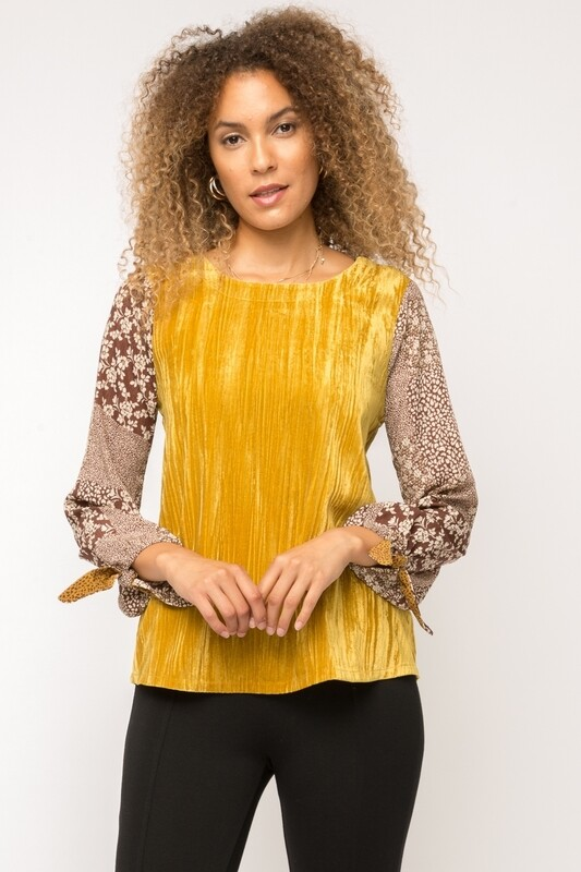 Mystree Crinkle Velvet Pint Sleeve Top