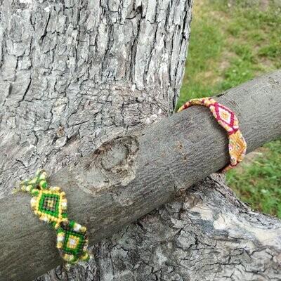 """Фенечка  """"Красочный """""""