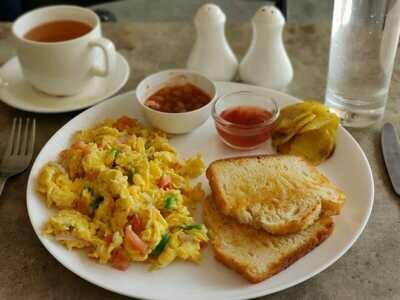 Breakfast (4 options)