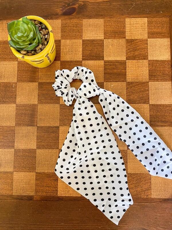 White/black Polka Dot Scrunchie