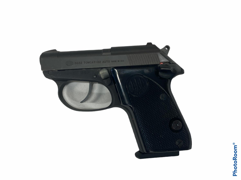 Beretta 3032 Tomcat (.32 Auto) - GOOD