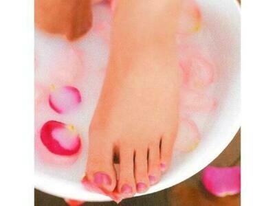 Pédicure  médicale Spa ,  pédicure médicale ,gommage, enveloppement, masque, massage pieds