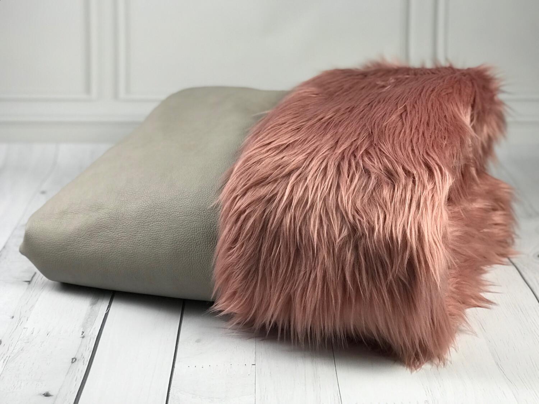 PRUNK-BÜDDEL //  Veganes Büffellleder Hellgrau-Beige mit Kunstpelz Langfloor Rosé // auf Lager