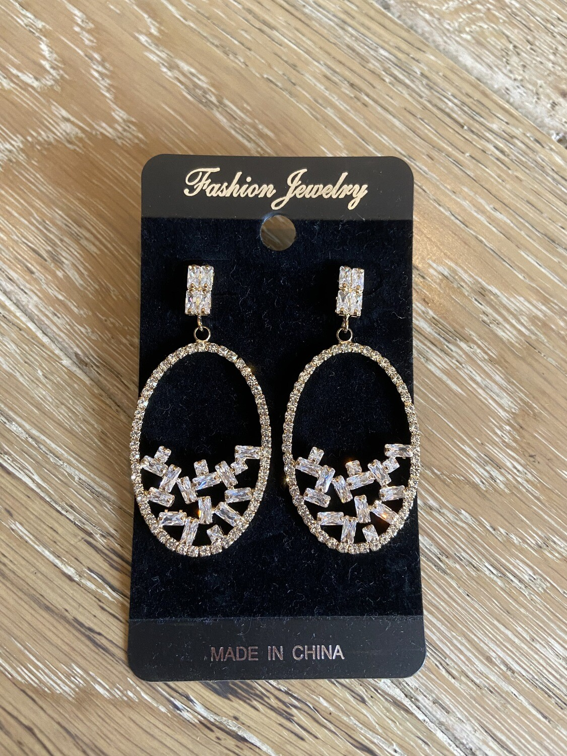 Sparkly Oval Earring