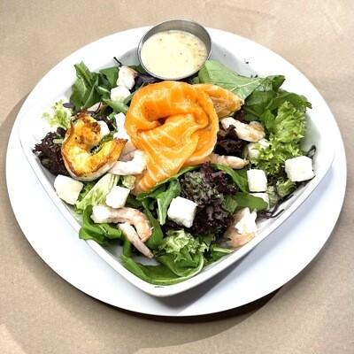 Ensalada Mix con camarón, Salmón curado y queso de cabra