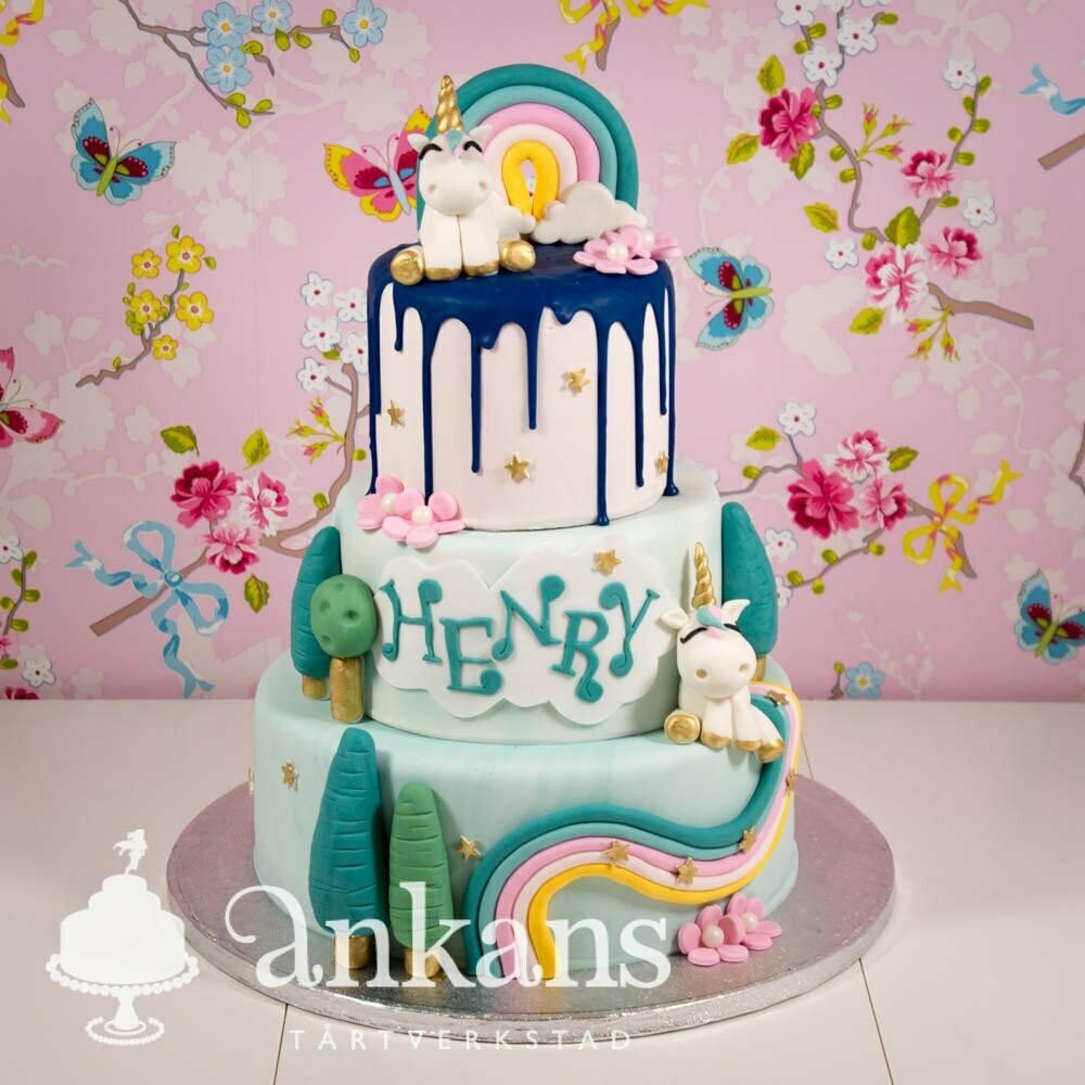 Drömmig Unicorn-tårta i tre våningar