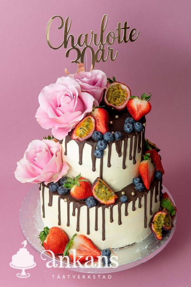 Chokladdripp, jordgubbar och rosor