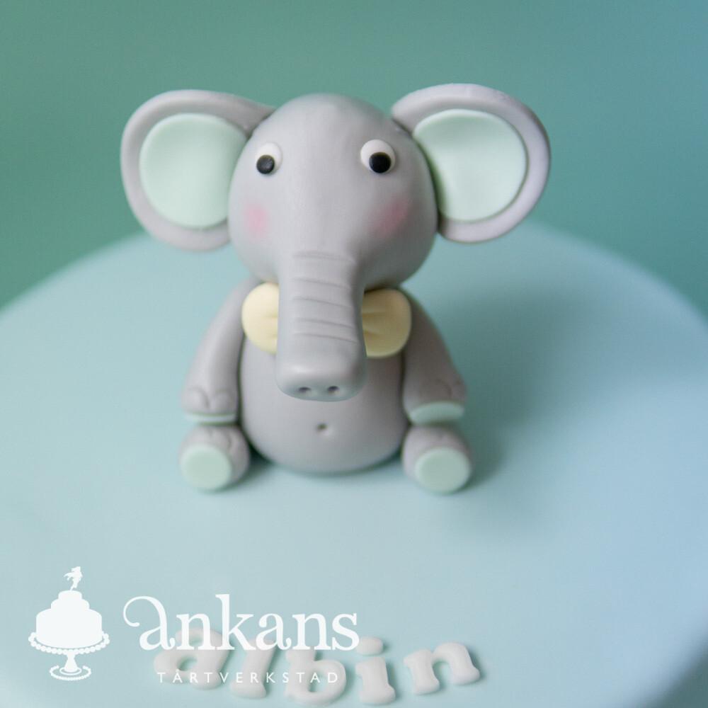 Elefanttårta med vimplar
