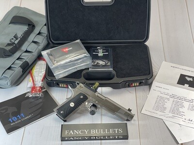 WILSON COMBAT HUNTER 460 ROWLAND IN STAINLESS, TRIJICON 12.9 MOA AMBER TRIANGLE, and Including Negrini Case.