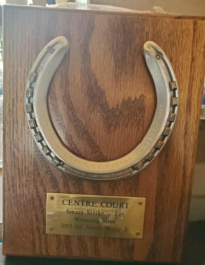Centre Court Horse Shoe