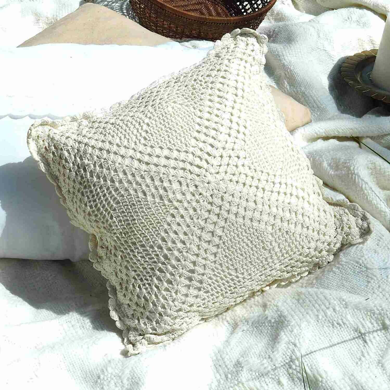 Coussin vintage crochet