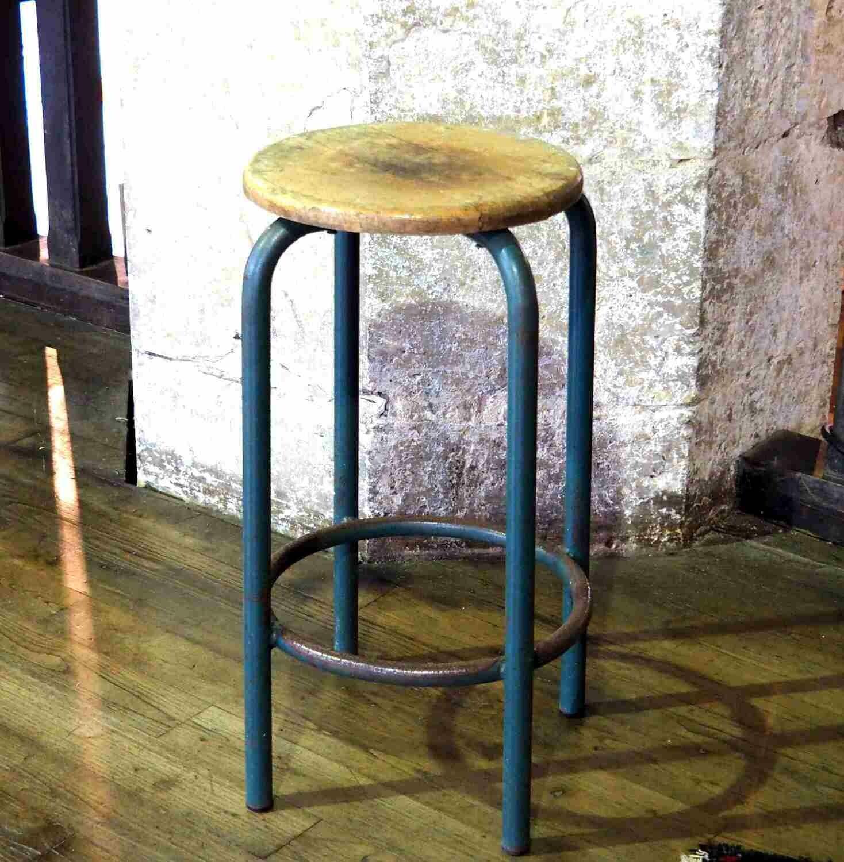Tabouret pieds métal assise bois