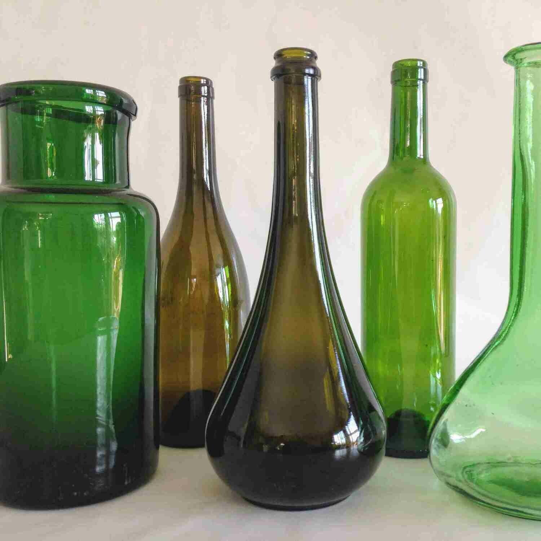 Bouteille de vin verte et marron